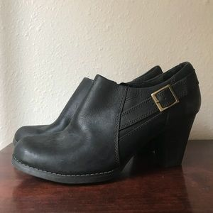 Clarks Black Leather Booties Size 10